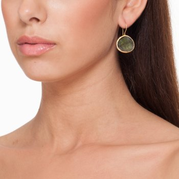 Ingenious gold earrings with single labradorite stone