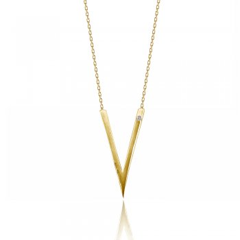 gold necklace with arrow pendant