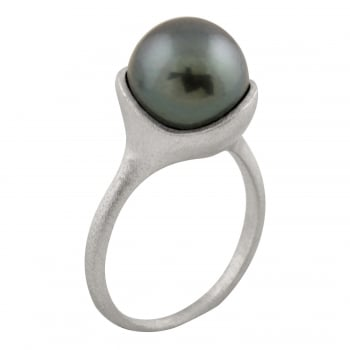Bella Pearls 14ct white gold 10-10.5mm black Tahitian Pearls brushed finished gold ring